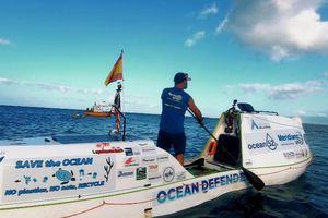 Người đàn ông vượt đại dương trong 76 ngày, lúc nào cũng thấy rác nhựa