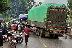 Xe tải va chạm xe đầu kéo, 1 người tử vong