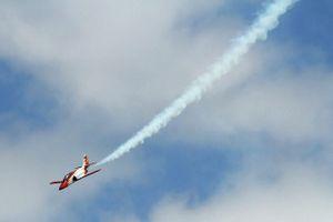 Khoảnh khắc máy bay của không quân Tây Ban Nha lao xuống biển Địa Trung Hải