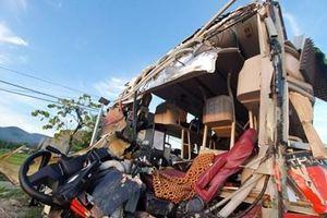 Khởi tố vụ án xe khách tông nhau kinh hoàng tại Khánh Hòa làm 40 người thương vong