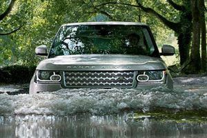 Bất ngờ với 5 chiếc SUV có khả năng 'bơi lội' cực đỉnh