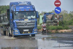 Nhanh hư hỏng do xe tải chở vật liệu xây dựng