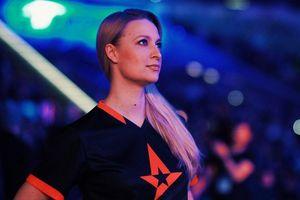 Mia Stellberg: Chân dung người phụ nữ xinh đẹp, tài năng bậc nhất làng Esports vừa góp công lớn giúp OG phá lời nguyền vô địch TI 2 năm liên tiếp