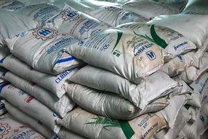 Tạm giữ 32 tấn đường nhập lậu từ Thái Lan