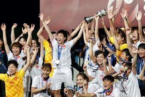 Tuyển nữ Việt Nam tiếp tục được thưởng sau chức vô địch AFF Cup