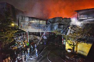 Hơn 5 giờ hỏa hoạn ở Công ty bóng đèn phích nước Rạng Đông
