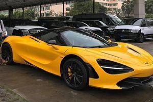 Dàn siêu xe màu vàng 'sẹc tông' của đại gia tại Campuchia