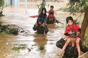 Bắc Bộ và Bắc Trung Bộ oằn mình chống bão Podul