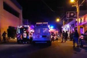 Quán bar cháy phừng phừng vì hứng bom chai, 23 người chết thảm