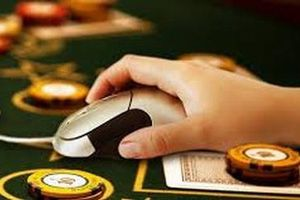 Phá ổ nhóm tổ chức đánh bạc qua mạng cho gần 700 người