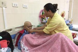 Đẫm nước mắt số phận người góa phụ có chồng và con bị ung thư