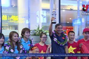 Đội tuyển nữ Việt Nam trở về sau chức vô địch AFF CUP 2019