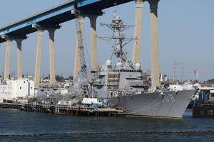 Tàu khu trục Mỹ di chuyển vào Biển Đông