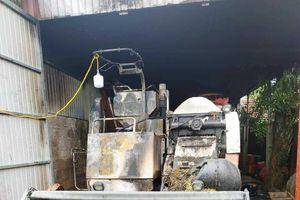 Thanh Hóa: Kẻ gian thiêu rụi máy gặt nhà Bí thư Chi bộ thôn