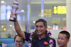 'Điều tôi vui sướng và tự hào nhất là thắng đối thủ ngay tại Thái Lan'