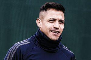 Alexis Sanchez được chào đón như người hùng ở Milan