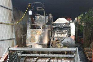 Máy gặt hơn 300 triệu của trưởng thôn nghi bị kẻ xấu đốt cháy