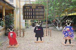 Bỏ phí cơ hội đến Hoàng thành học sử