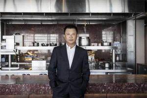 Vua lẩu Trung Quốc thành người giàu nhất Singapore