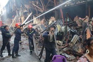 Hình ảnh mới nhất vụ cháy Nhà máy bóng đèn, phích nước Rạng Đông