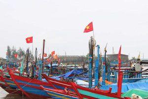 Bão số 4 đổ bộ: Quảng Trị cấm biển, số phận của 102 thuyền viên vẫn chưa rõ