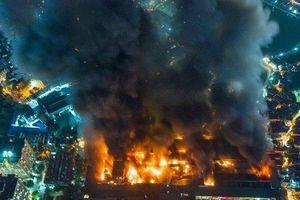 Vụ cháy tại Công ty Rạng Đông: UBND phường khuyến nghị người dân không ăn thực phẩm trong bán kính 1km