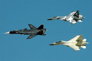 Su-47 Berkut tái xuất sau 12 năm, dấu hiệu khôi phục dự án?