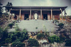 Lặng ngắm ngôi chùa 'trên mây' đẹp khó tin ở Tây Nguyên