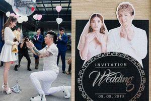 Lâm Chấn Khang tung thiệp cưới: Xác nhận tổ chức hôn lễ với bạn gái sau 17 năm chung sống