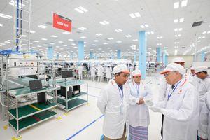 Chủ tịch Quốc hội vùng Yangon, Myanmar: 'Nhà máy VinSmart dây chuyền hiện đại, kiểm soát chặt chẽ, rất đáng tự hào'