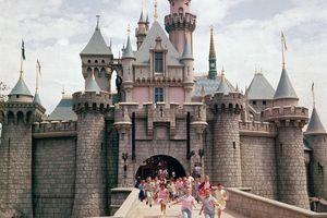 Ảnh hiếm về lễ khai trương Công viên giải trí Disneyland tại Mỹ năm 1955