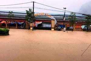 Nhiều huyện ở Thanh Hóa ngập lụt, giao thông tê liệt sau bão