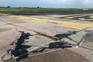 Thủ tướng yêu cầu báo cáo về hư hỏng đường băng Nội Bài