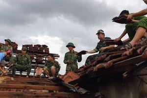 Giúp các hộ dân sớm khắc phục thiệt hại do lốc xoáy ở Hà Tĩnh