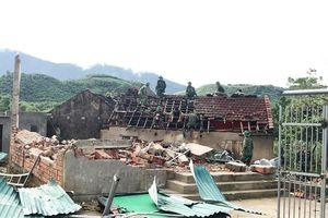 Hà Tĩnh: Tan hoang sau 10 phút lốc xoáy