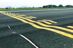 Sân bay Nội Bài xin đóng cửa đường băng để sửa chữa khẩn cấp