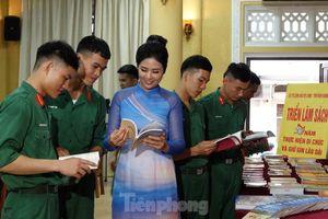 'Trung hiếu bên Người': Nguồn sáng dẫn đường cho tuổi trẻ Việt Nam