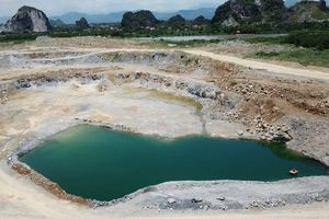 ĐBQH Mai Hồng Hải có biết Xi măng Hải Phòng 'băm nát' núi Tràng Kênh?