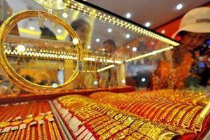 Giá vàng ngày 31/8: Vàng thế giới đi xuống do đồng đôla và chứng khoán Mỹ đi lên