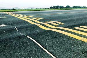 Thủ tướng chỉ đạo báo cáo tình trạng xuống cấp đường băng sân bay Nội Bài