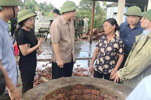 Hỗ trợ các gia đình bị thiệt hại do bão số 4