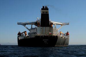 Mỹ đưa siêu tàu dầu Iran vào danh sách đen, cấm vận thuyền trưởng