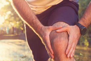 Người bị viêm khớp có nên tập thể dục hay không?