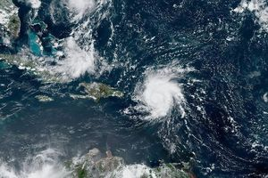 Không quân Mỹ sơ tán hàng loạt chiến đấu cơ tránh siêu bão Dorian