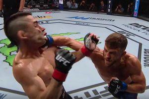 Võ sĩ UFC tung cú đấm móc tuyệt đỉnh hạ gục đối thủ