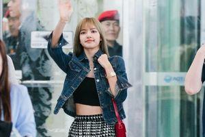 Lisa Black Pink khoe 'vòng eo con kiến' khi đến Thái Lan chuẩn bị họp fan