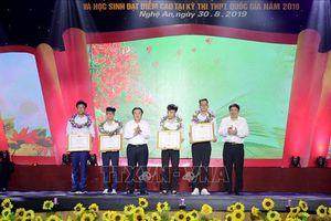 Nghệ An : Truyền lửa tinh thần hiếu học của học sinh xứ Nghệ