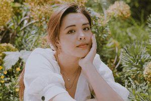 Nhan sắc 21 tuổi ngày càng rực rỡ của cô con gái lớn của nữ diễn viên Chung Lệ Đề