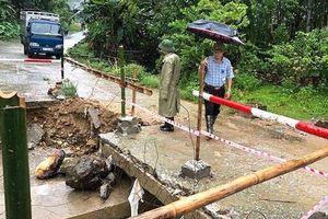 Hoàn lưu bão số 4 gây thiệt hại cho nhiều tỉnh miền Trung
