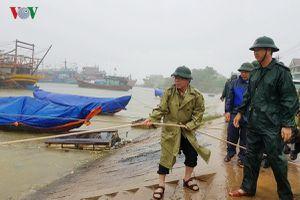 Quảng Trị còn 36 tàu thuyền trên biển chưa liên lạc được
